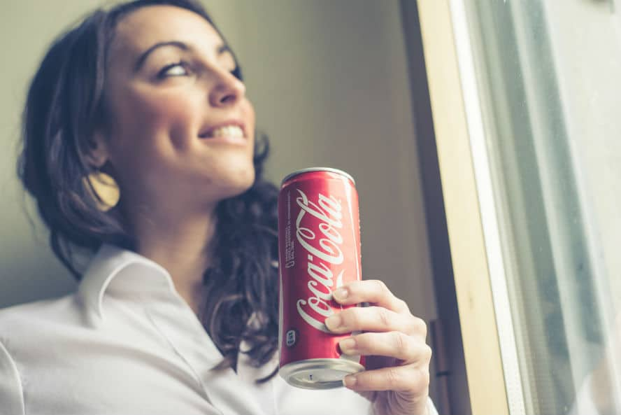 Coca Cola erzielt positive Resonanz mit Hug Maschine